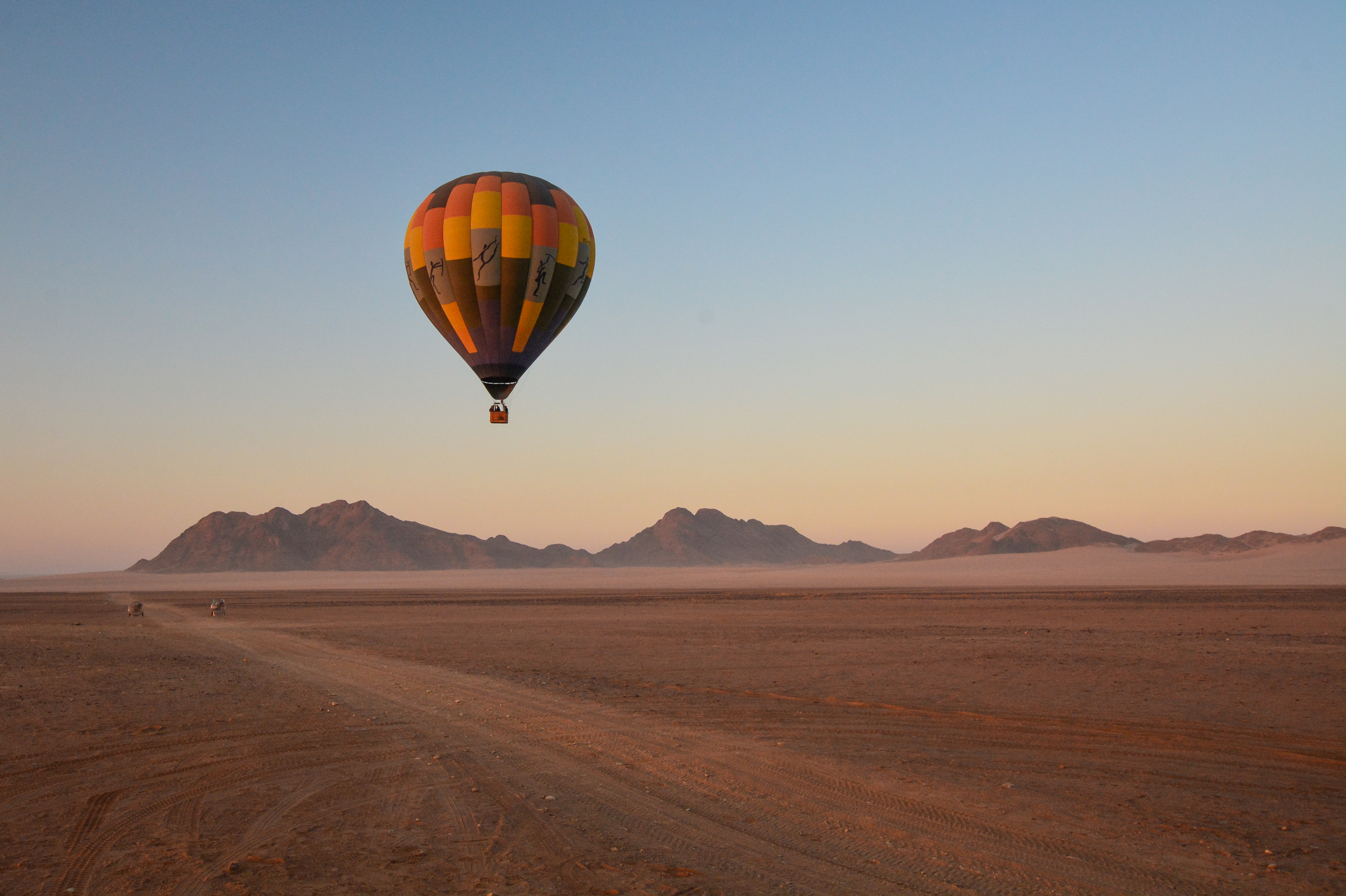 Flying across the Namib Desert in a hot air balloon