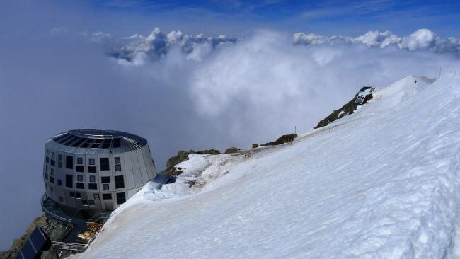 Najvišja in najmodernejša koča v Franciji_ Refuge du Gouter (3835 m).